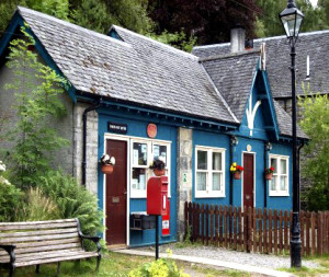 Thr current post office was built as a coach house for carriages taking visitors to Beauly.